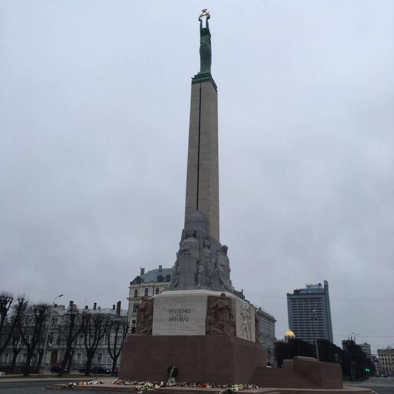 statue_riga